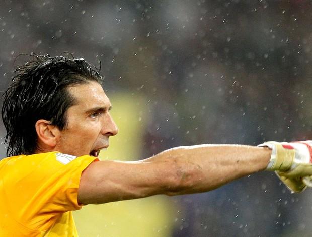 Buffon na partida do Juventus contra o Napoli (Foto: Reuters)