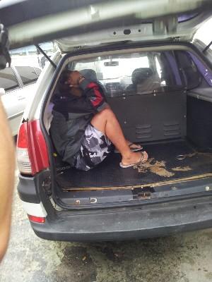 Menina de 15 anos suspeita de matar turista em Praia Grande, SP, é detida (Foto: Nina Barbosa/TV Tribuna)