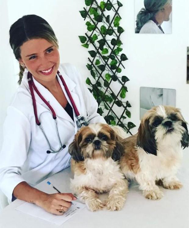 Debby Lagranha é veterinária atualmente (Foto: Reprodução/Instagram)