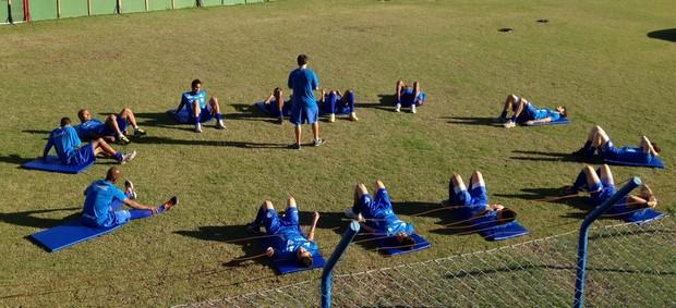 Equipe do Avaí faz treino físico na Ressacada (Foto: Renan Koerich / GLOBOESPORTE.COM)
