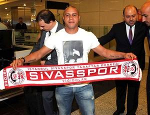 Roberto Carlos faixa Sivasspor técnico (Foto: Divulgação / Site Oficial)