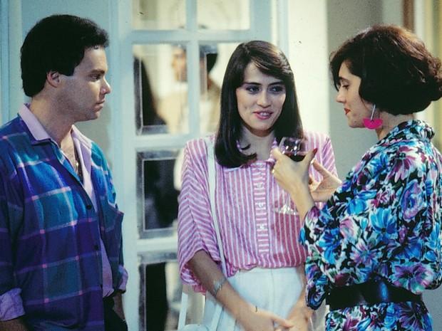 Zé Mário / Braguinha (Élcio Romar), Ivete (Nina de Pádua) e Jô Penteado (Christiane Torloni) em A Gata Comeu.