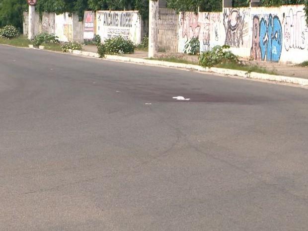 Curva onde jovem caiu de ônibus em movimento (Foto: Reprodução/ TV Gazeta)