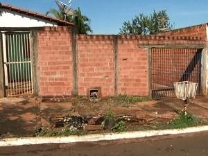 Menor é suspeito de matar padrasto a facadas em Jataí, Goiás (Foto: Reprodução/TV Anhanguera)