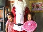 Mais de sete mil crianças recebem presentes do Papai Noel dos Correios