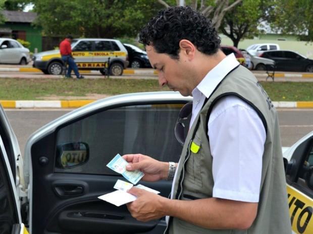 Detran-AC fiscalizou vinte veículos de autoescolas de Rio Branco  (Foto: Divulgação/Ascom Detran)