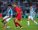 Lucas Leiva se lesiona e dá lugar a goleiro reserva na vitória do Liverpool