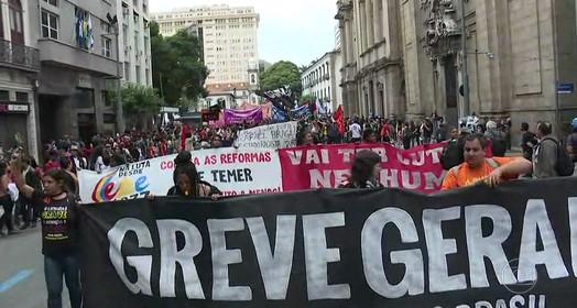 contra reformas (Reprodução/Globo)