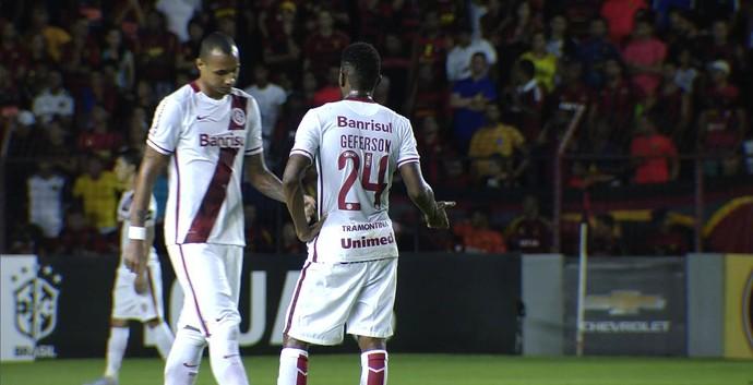 Inter Sport Ilha do Retiro Campeonato Brasileiro Geferson Alan Costa (Foto: Reprodução/RBS TV)