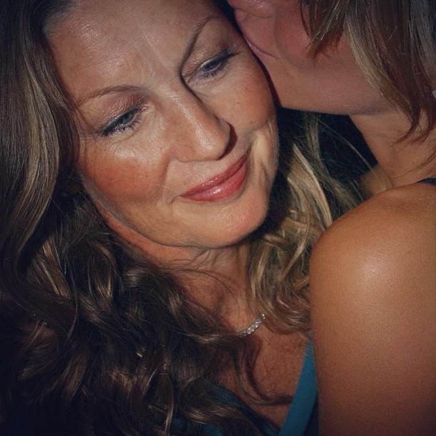 Gisele Bundchen e a mãe (Foto: Instagram/Reprodução)