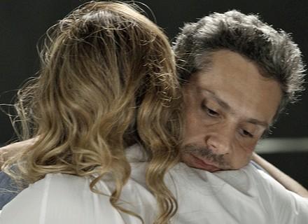 Romero encurrala Atena: 'Não diz que me ama? Então prova'