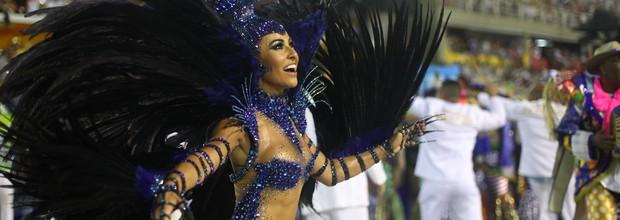 Vila festeja título no desfile das campeãs (Vila festeja título no desfile das campeãs (Rodrigo Gorosito/G1))
