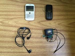 Dois celulares foram apreendidos no presídio em Uruguaiana (Foto: Caroline Rossasi/RBS TV)