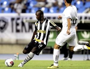 Seedorf no jogo do Botafogo contra o Resende (Foto: Alexandre Cassiano / Ag. O Globo)