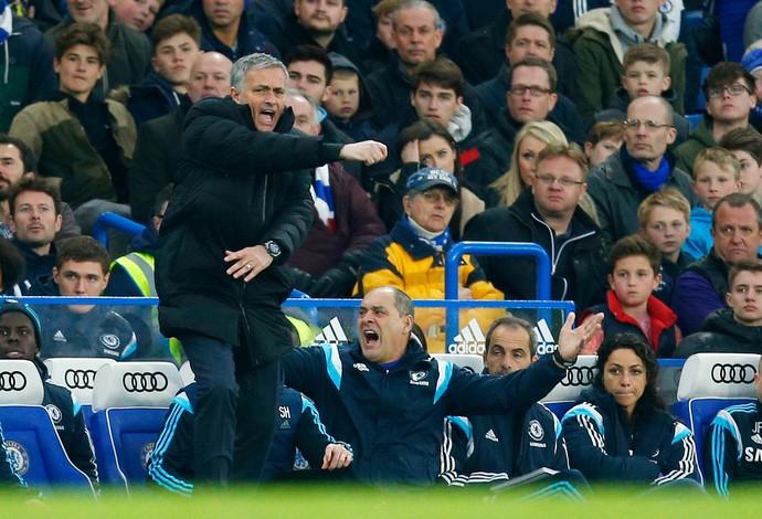 José Mourinho técnico Chelsea (Foto: Reuters)