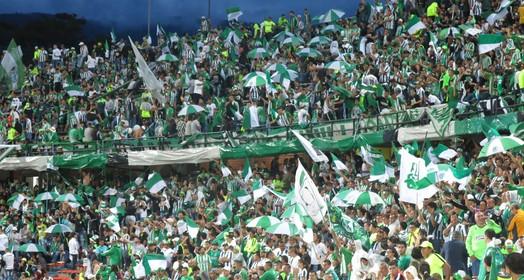 dentro do campo (Jorge Natan/GloboEsporte.com)