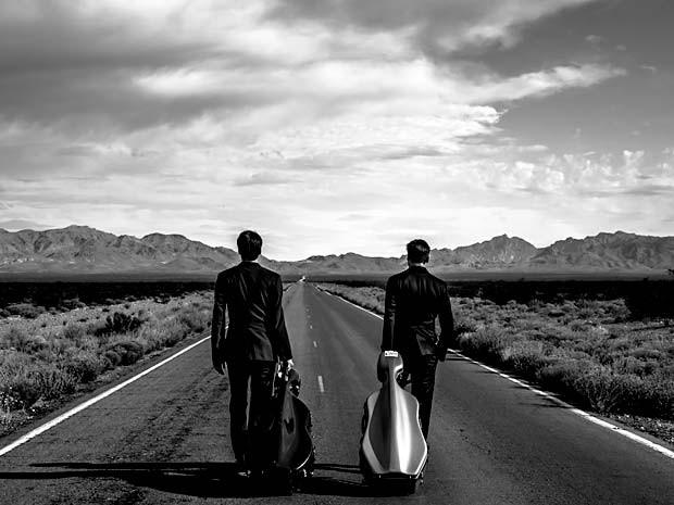 O músicos Luka Sulic e  Stjepan Hauser, do 2Cellos (Foto: Artemost/Divulgação)