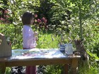 Amizade com gata 'abre mundo' para menina autista