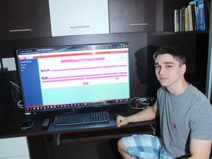 Vitor Melo Rebêlo, de 18 anos, foi um dos estudantes que conquistaram a maior nota em Matemática (Foto: Beto Marques)
