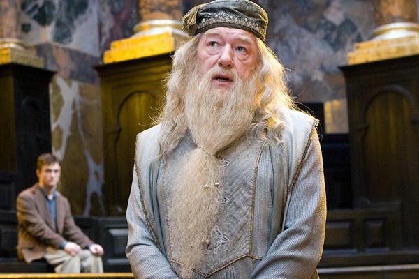 O ator Michael Gambon no papel do bruxo Dumbledore (Foto: Reprodução)