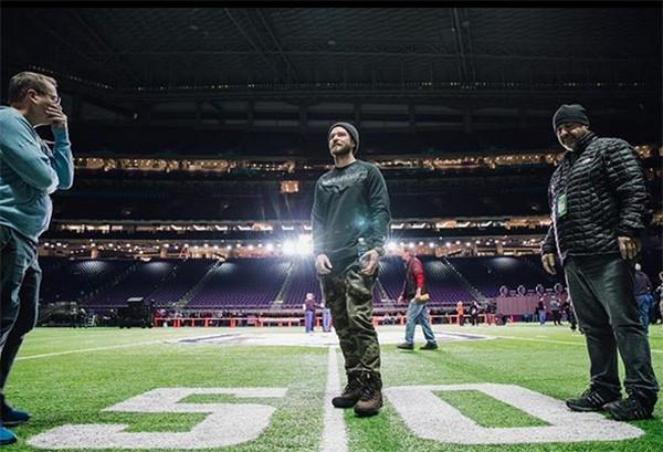 Justin Timberlake em ensaio para o Super Bowl (Foto: Instagram)