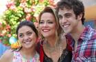 Polliana Aleixo, Vivianne Pasmanter e Ronny Kriwat posaram nos bastidores da festa de Leto (Foto: Pedro Curi/ TV Globo)