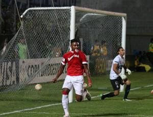 Emelec x Internacional gol Vitinho Internacional Libertadores