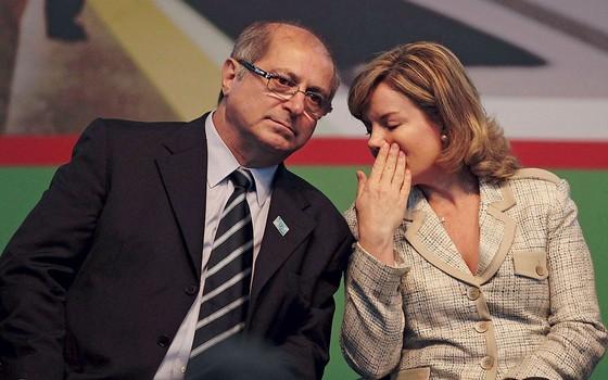 Paulo Bernardo e sua esposa Gleisi Hoffmann (Foto: JONATHAN CAMPOS / GAZETA DO POVO / Futura Press)