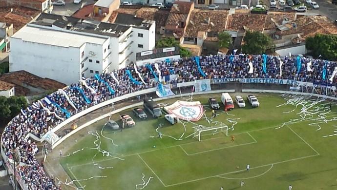 Médici lotado em dia histórico para o Confiança (Foto: Divulgação/GTA)