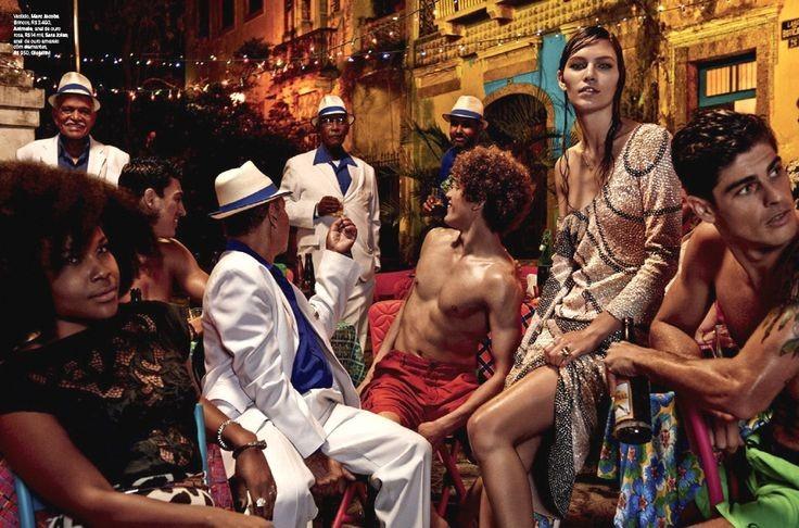 Amanda Wellsh e Aline Weber por Giampaolo Sgura para Vogue Brasil Novembro 2014  (Foto: Arquivo Vogue)