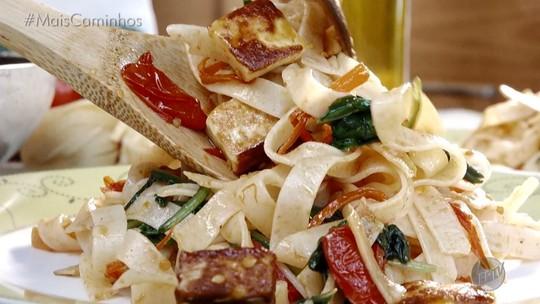 Macarrão com queijo coalho é destaque no 'Segredos da Cozinha'