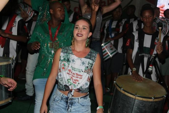 Laryssa Ayres, de Malhação, arrasa na Grande Rio (Foto: Divulgação)