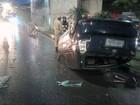 Motorista fica ferido ao perder controle de carro e cair de viaduto no AM