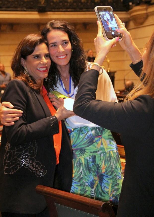 A socialite Narcisa Tamborindeguy e a jogadora de vòlei Agatha Rippel (Foto: Cleomir Tavares/Divulgação)