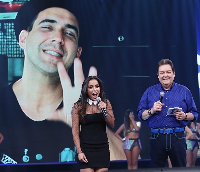 Anitta ficou surpresa com depoimento do amigo André Marques (Foto: Carol Caminha/Gshow)