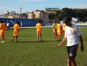 Alberto Félix técnico Atibaia (Foto: Filipe Rodrigues)