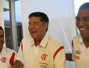 Marcelo Salles, técnico do Nova Iguaçu, ao lado de Joel Santana no Flamengo (Foto: Janir Junior/Globoesporte.com)