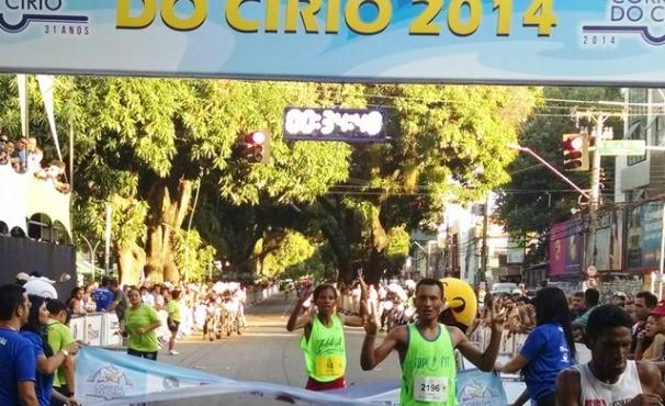 Corrida do Círio 2014- vencedora mulher (Foto: Pedro Cruz)