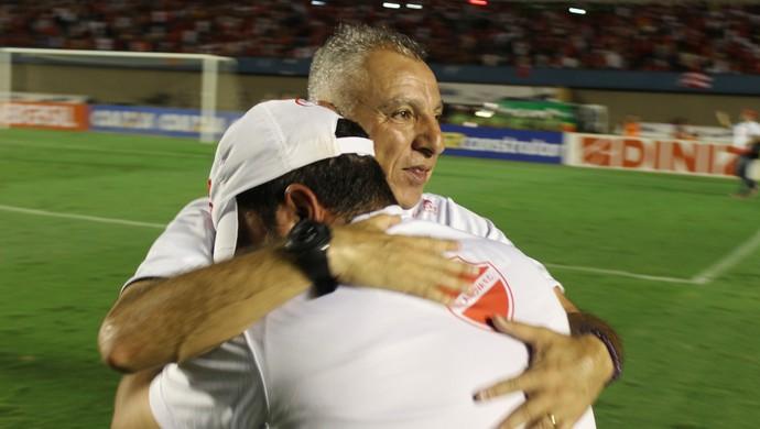 Márcio Fernandes - técnico do Vila Nova (Foto: Fernando Vasconcelos / GloboEsporte.com)
