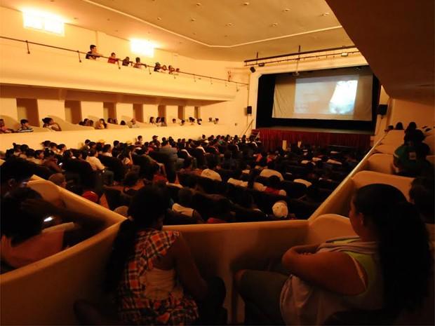 Festival de Cinema ocorre no Teatro Carlos Gomes, em São Simão, SP (Foto: Marcos Pinotti)