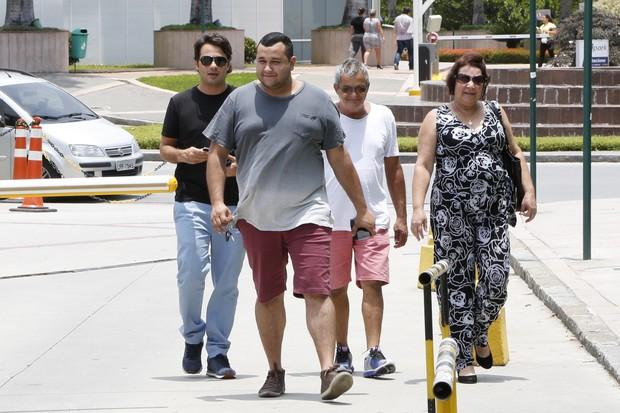 Familiares de Vanessa Giácomo (Foto: Felipe Assumpção / AgNews)