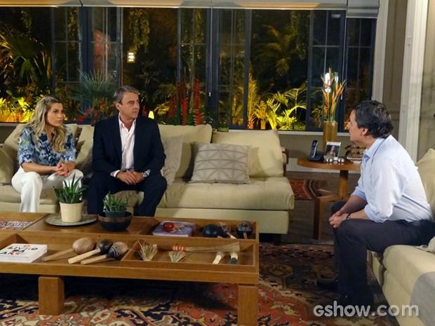 Heloísa e Thomaz pedem que Jorge os leve até a Comunidade (Foto: Além do Horizonte/TV Globo)