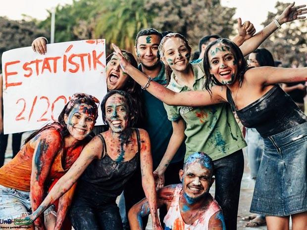 Estudantes do cursinho aprovados no vestibular da UnB no meio do ano (Foto: Galt/Divulgação)