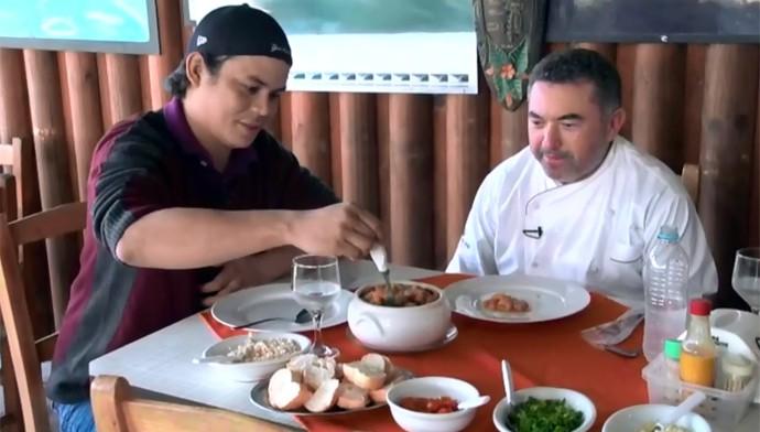 Chef cozinha Estúdio C (Foto: Reprodução/ RPC)