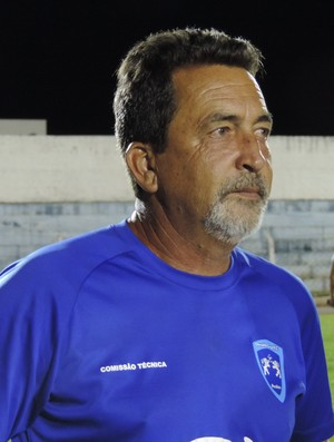 Paulo Melo técnico Osvaldo Cruz (Foto: Murilo Rincon / GloboEsporte.com)