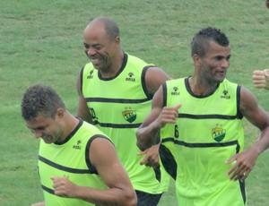 Coruripe Denilson  (Foto: Viviane Leão/GloboEsporte.com)