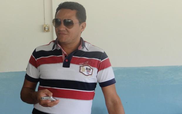 Gerente de futebol do CSA, Marquinhos Mossoró (Foto: Caio Lorena / GLOBOESPORTE.COM)