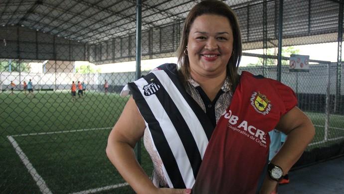 Andrea Inácio, torcedora do Galvez e do Santos (Foto: João Paulo Maia)