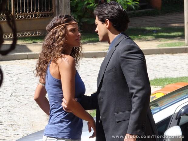 Hélio assume que traiu Taís (Foto: Flor do Caribe / TV Globo)