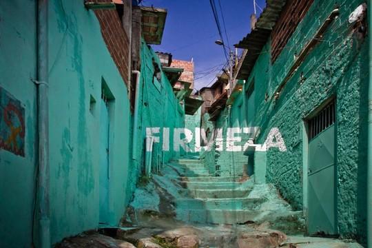 Grupo de artistas urbanos da Espanha cria intervenção na favela da Brasilândia, em São Paulo (Foto: Boa Mistura)